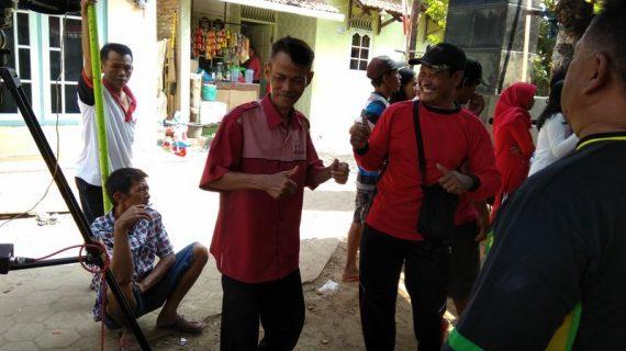 Aksi Joget Peserta Jalan Sehat RW-3 saat Pembagian Doorprize